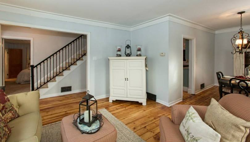 Flip Living Stairwell