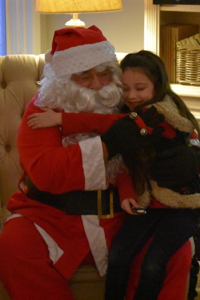 Santa & Lacy 4